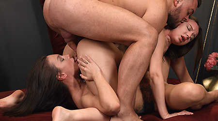 Couple lures cutie into threesome